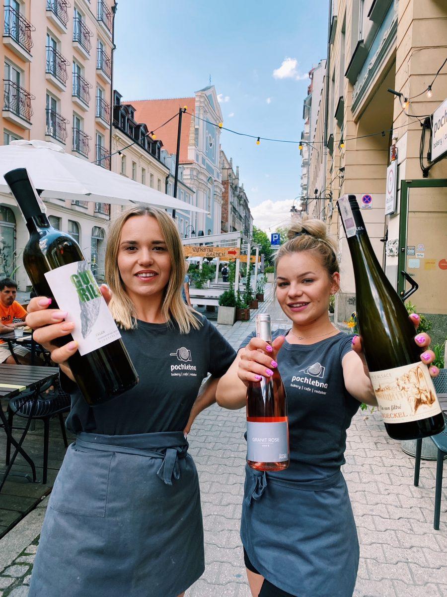 Różowe, pomarańczowe i białe wina rzemieślnicze w centrum Wrocławia