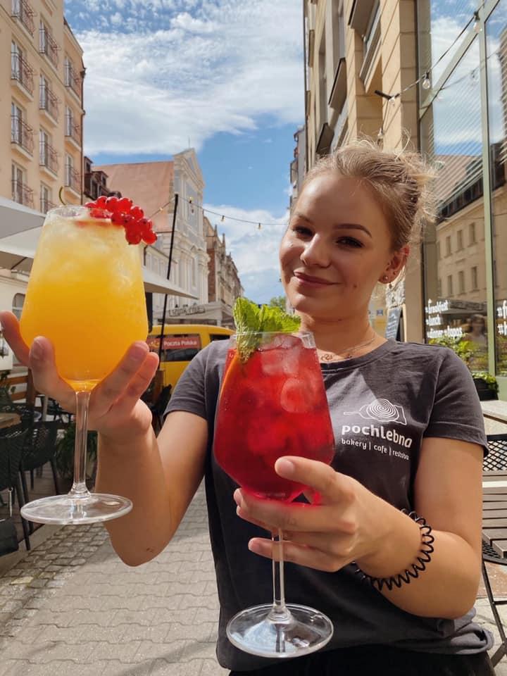 Idealne drinki na weekendowe wieczory w Pochlebnej